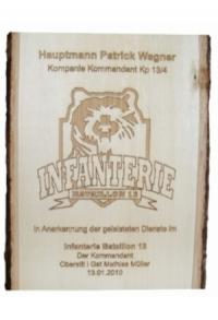 Rindenbrett inkl. Lasergravur, ca. 25 cm